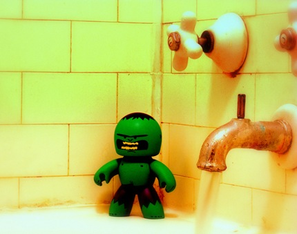 Hulk In Shower by ToeFu