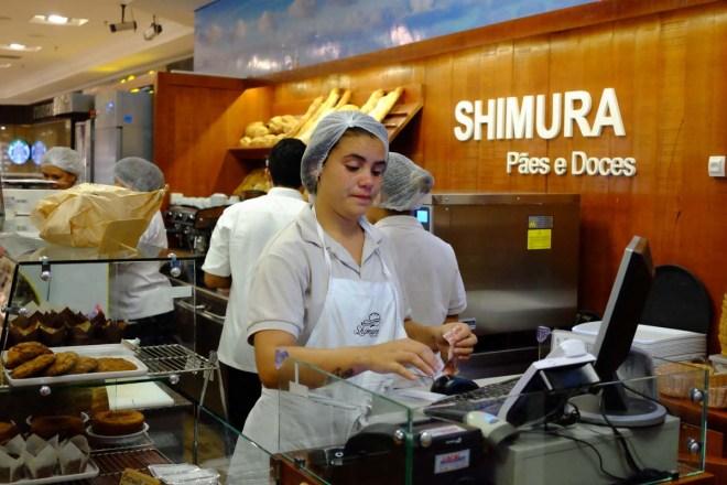A padaria/quiosque do Shimura fica no piso Paraíso, ao lado da Saraiva