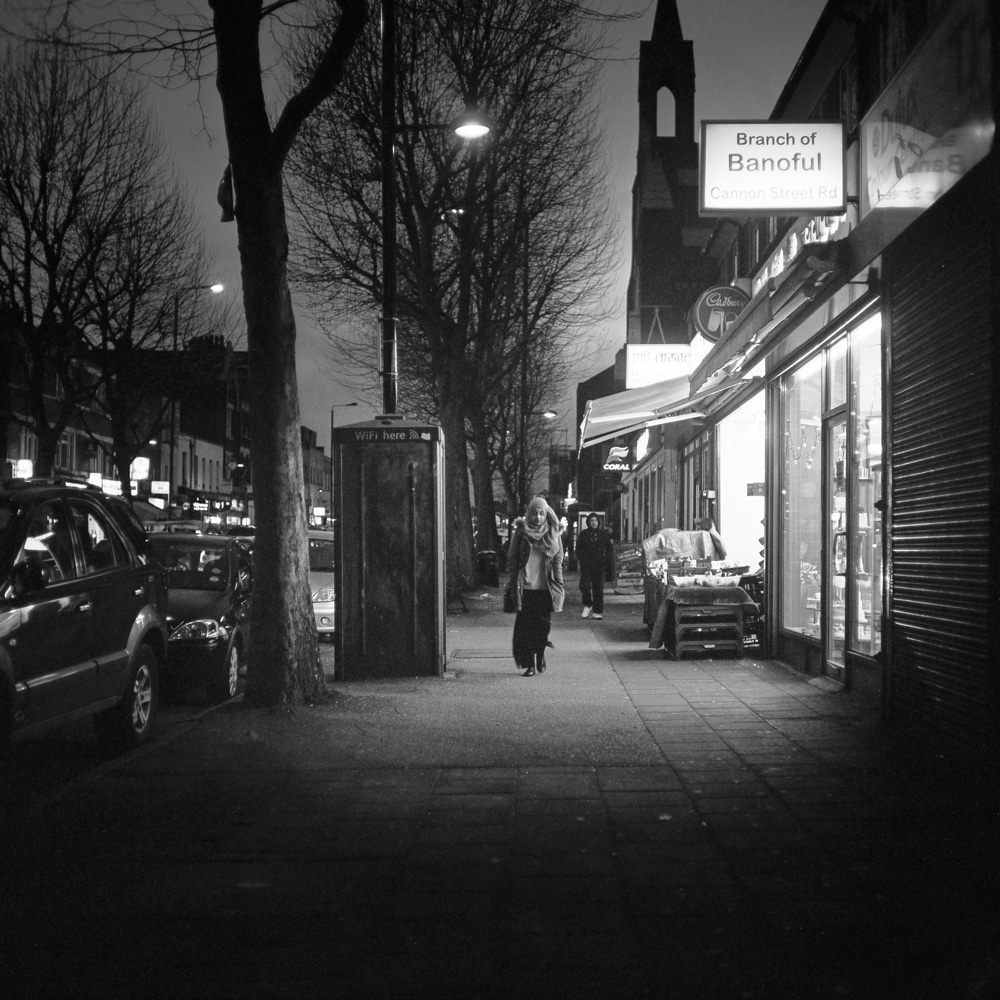 LONDON STREET - Mamiya C220F, Ilford FP4 125