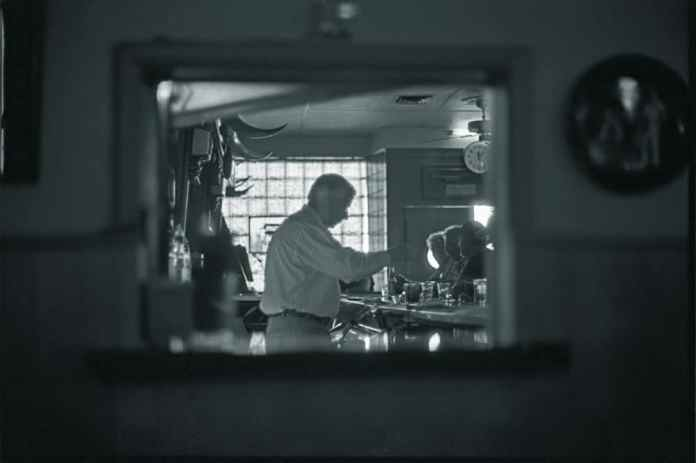 Woolgrowers Bar, Los Banos, California - Kodak Tri-X 400 (2009)