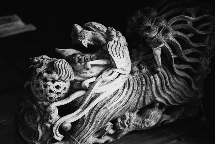 Lionhead - Maco Eagle AQS 400 (Rollei Retro 400s) shot at EI320. Black and white negative film in 135 format.