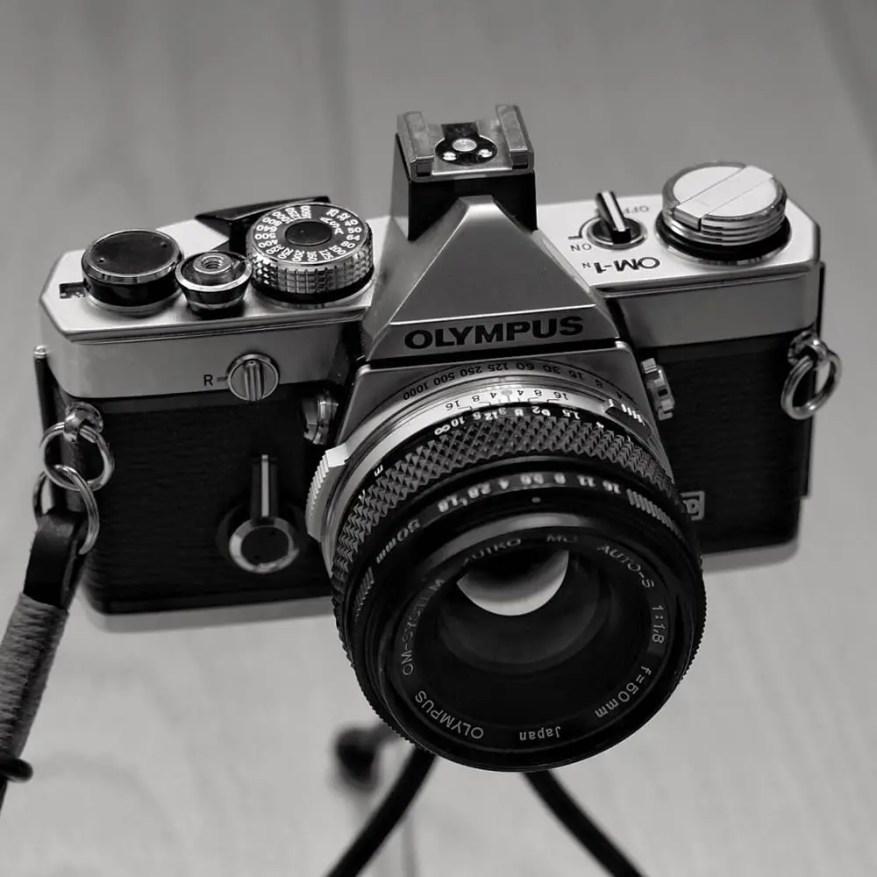 Olympus OM-1n - Front