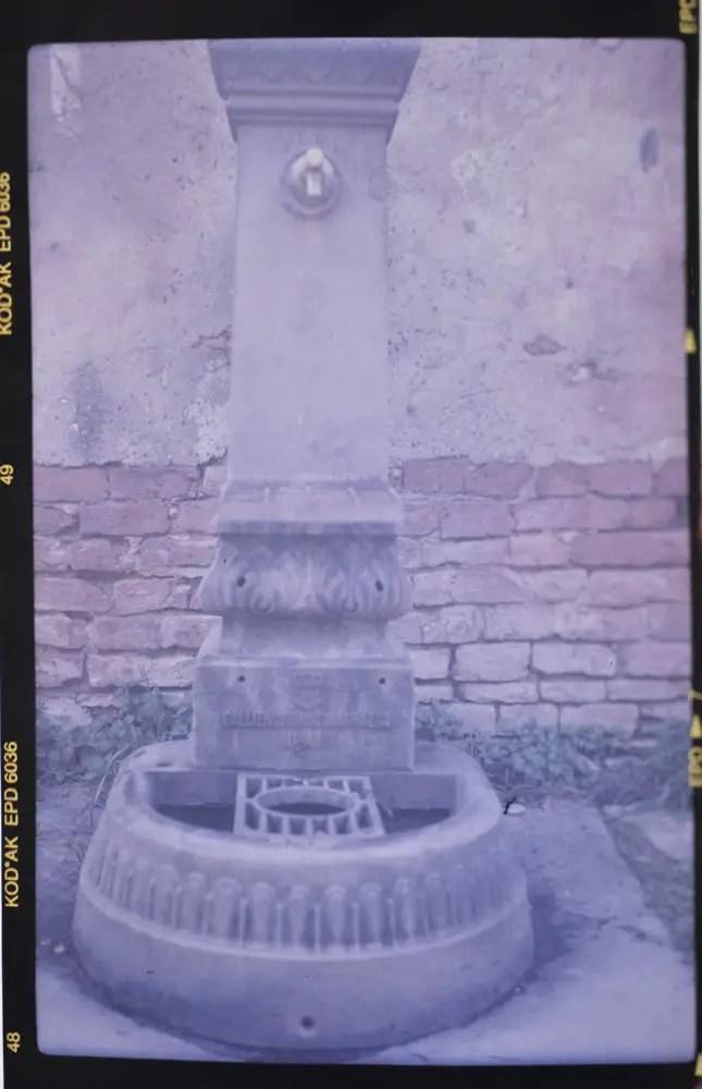 Ikonta 515 - Water Stendpipe (Fontanella) - Zeiss Ikon Nettar 515:2 - Ektachrome Professional 200