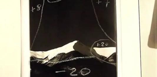 Montagne coperte di neve e la luna di Antonio Biagiotti