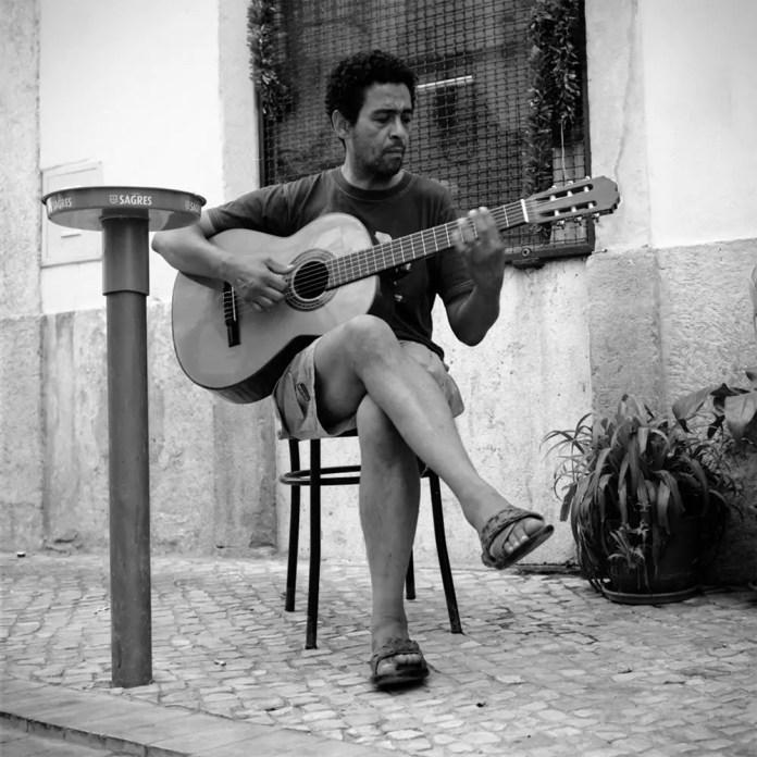 Guitariste Street Portrait