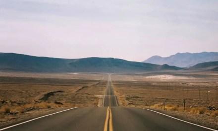 Death Valley Approach #01 – Kodak Pro 400 MC 6059 (120)