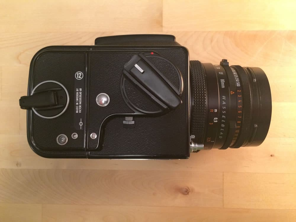 500CM - Right - Film wind-on, mirror lock-up.