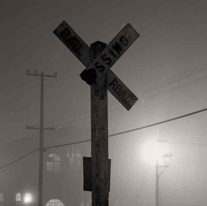 Railroad Crossing - Hasselblad 500c, 80mm, Afga APX 100 in Rodinal