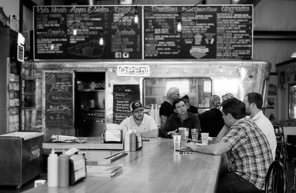 Lance King - @lancekingphoto. A retro burger joint in Chattanooga.