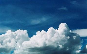 Eastern skies - Agfa Vista 200 shot at EI 200. Color negative film in 35mm format.