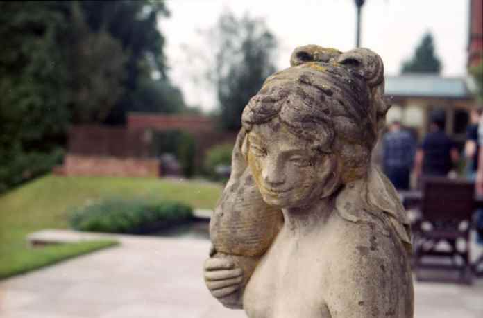 Canon EOS 750 - Agfa Vista 200 - Wroxall Abbey