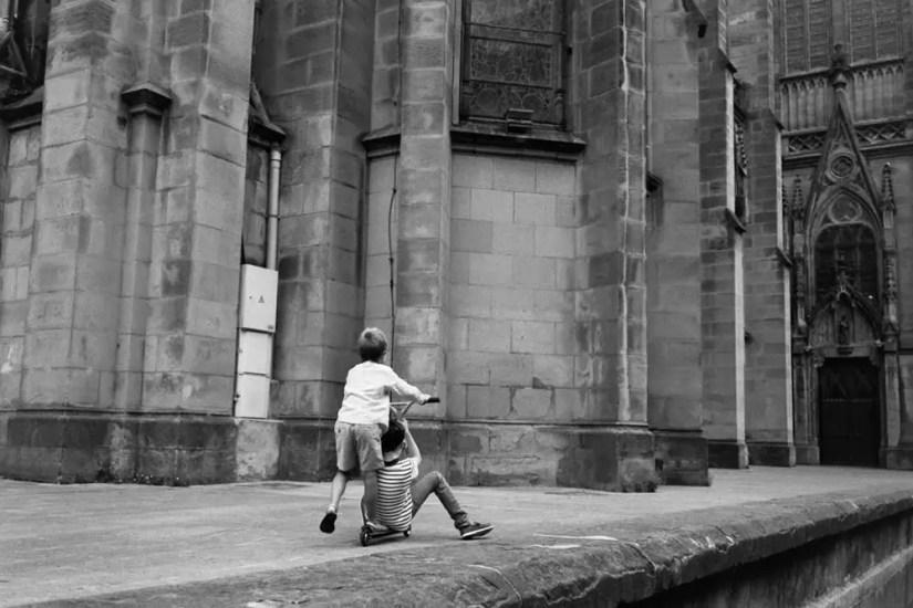 To salvation - Leica M6, Zeiss ZM C-Biogon 35mm f/2.8, HP5+.
