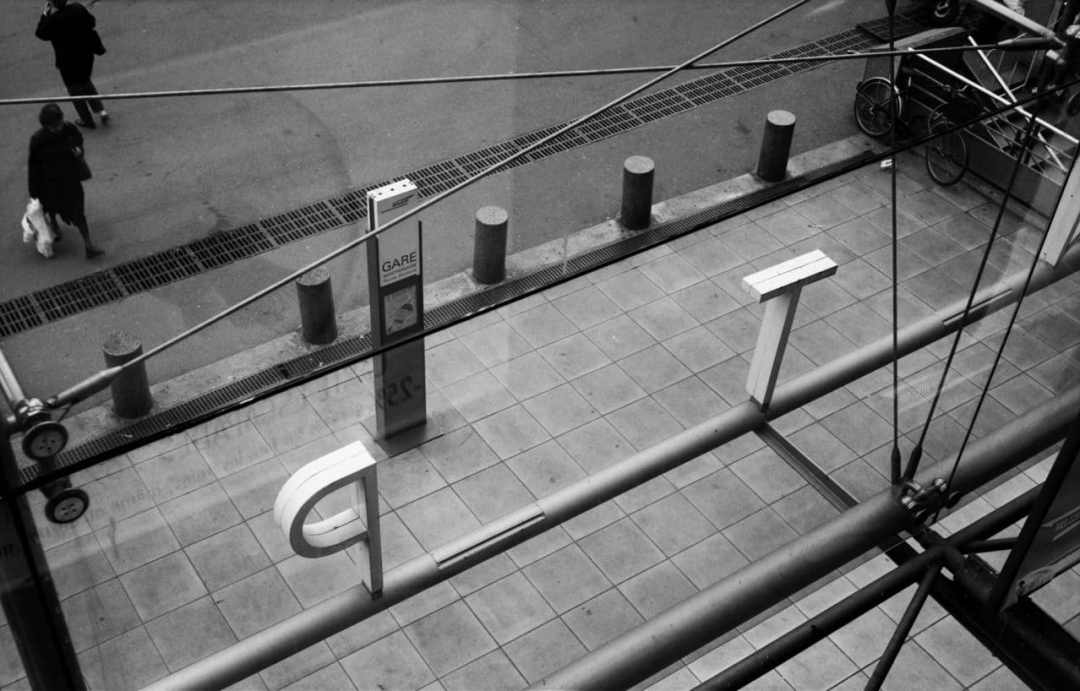 """Gare de Montparnasse"" (Paris 2004) - Voigtlander Bessa Rangefinder (pre-war model) with Heliar 105mm f/3.5 lens and Ilford HP-5+ 120 film"