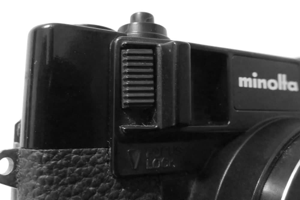 Minolta Hi-Matic - Focus lock