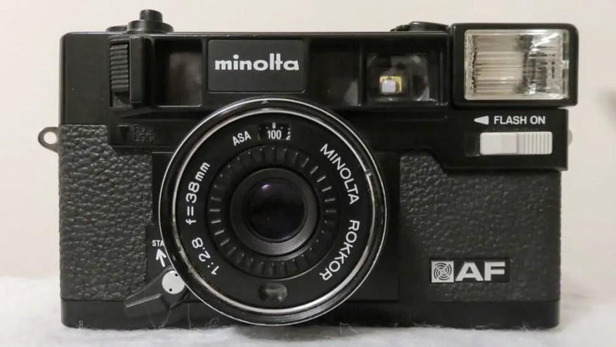 Minolta Hi-Matic AF - The front of the camera