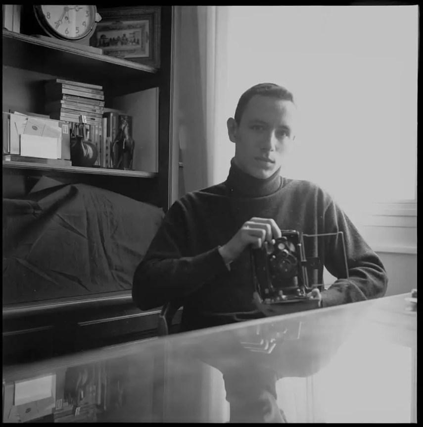 Auto portrait. Genoa, Italy 1990 - Rolleicord – 1928. Agfapan 120, 100asa