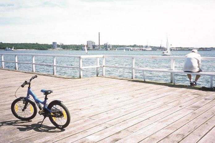 Rob‏ - @akrreh Summer in #Kiel. Olympus µ-II / Agfa Precisa CT 100. #SummerFilmParty #PostWeek #Streetlife