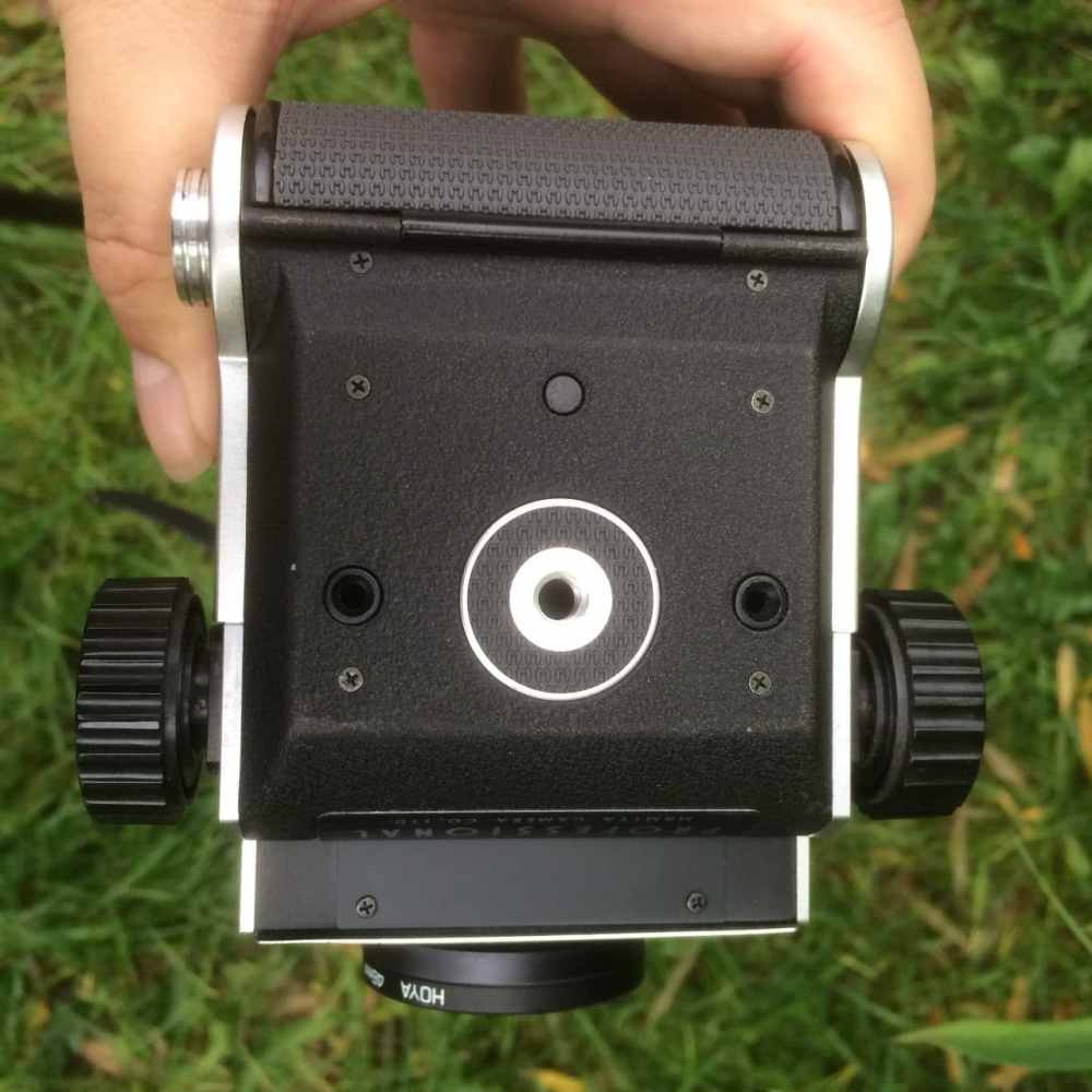 Mamiya C220 Professional TLR - Figure 4 - Bottom view