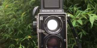Mamiya C220 Professional TLR - Figure 5 - Front view