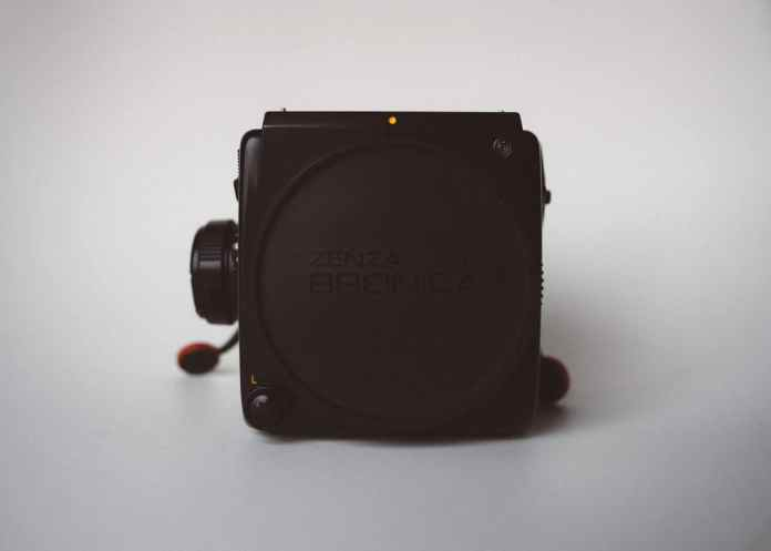 Bronica SQ-Ai - Body (front) 02