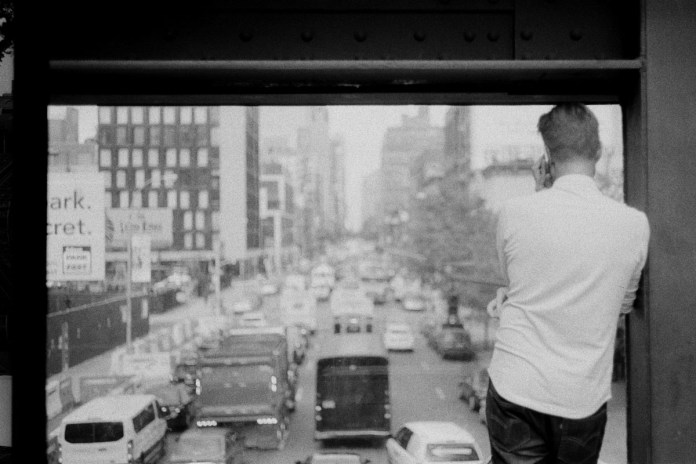 Taken with a Leica M6 on Kodak Tri-X 400 on the High Line in New York City, United States.