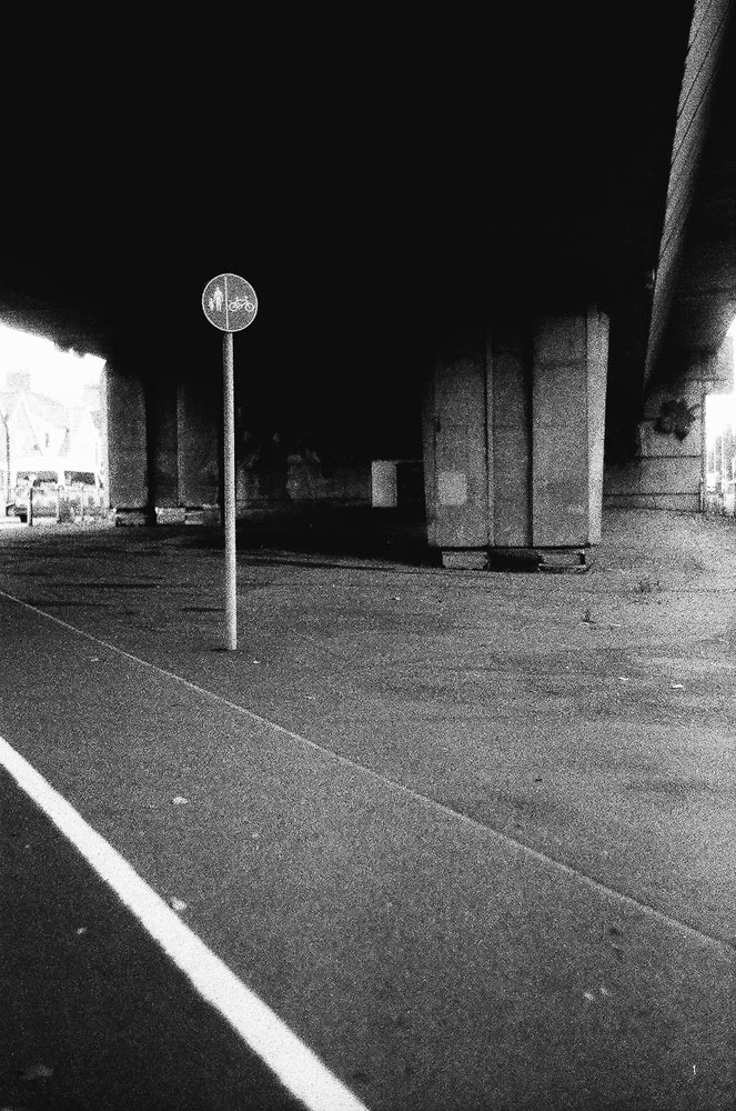 Simon King - ILFORD HP5 PLUS - Leica CL + Jupiter 8 50mm f/2