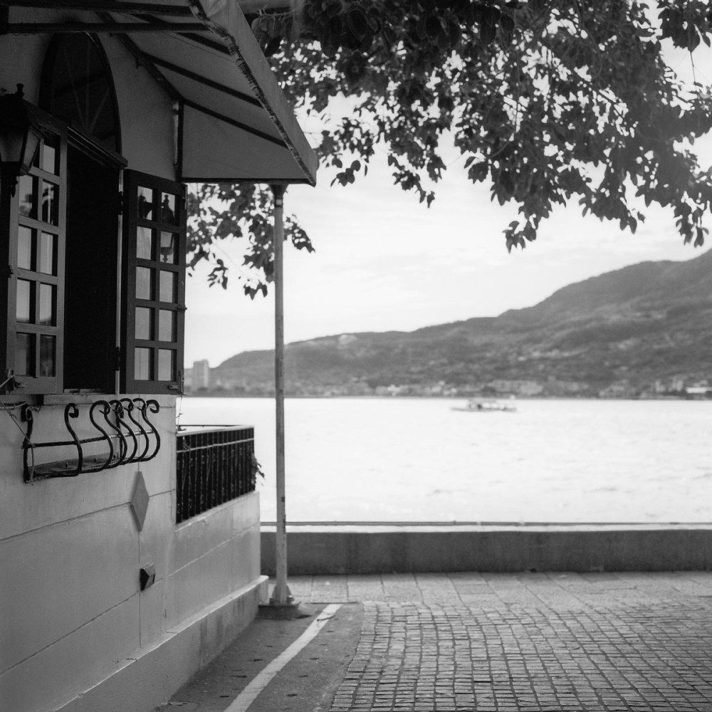 Summer getaway - Shot on Kodak Portra 400 BW at EI 400 - Black and white negative film in 120 format shot as 6x6 - Chromogenic film