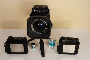 Mamiya RB67 - Film Backs - 6x8 (left), 6x7 (right)