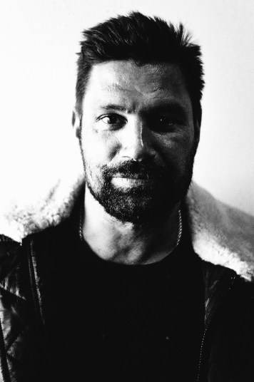 Actor Manu Bennett at MCM London Comic Con - Lecia CL, Jupiter 8 - ILFORD XP2 Super