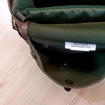 Billingham Hadley Small Pro - Dump pocket button open 02