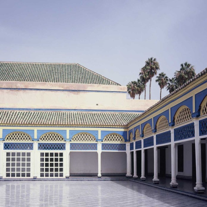 Kodak EKTACHROME E100G - Back courtyard of the Bahia Palace