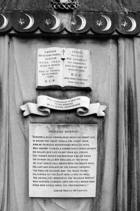 Mumbai part 4 - Sir Richard Francis Bacon's Grave