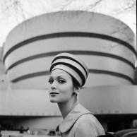 Tony Vaccaro - Guggenheim Hat - New York, 1960