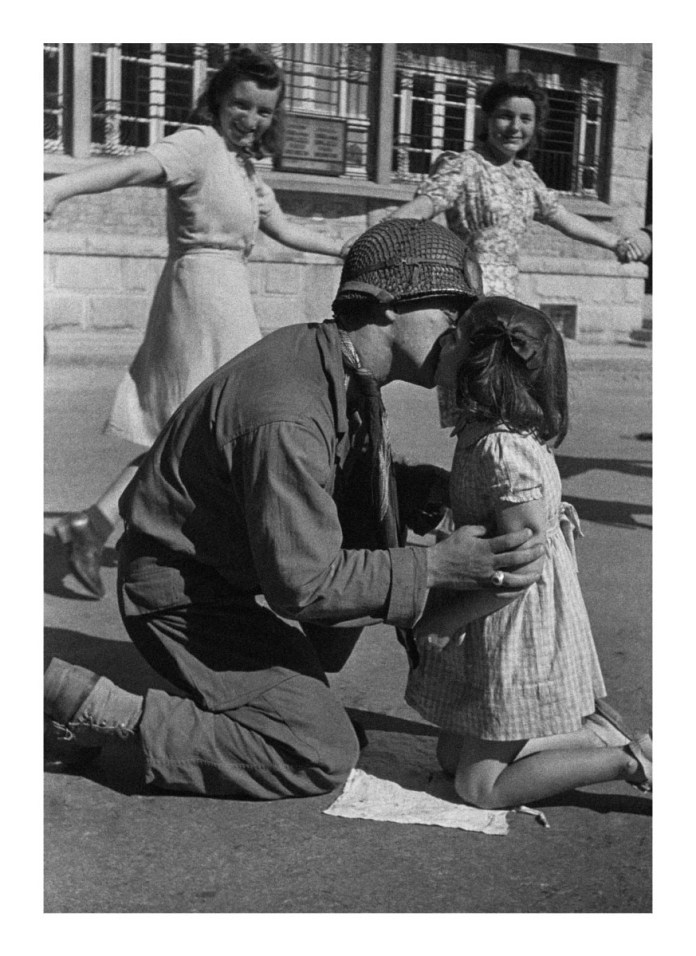 Tony Vaccaro - WWII, Kiss of Liberation - St. Briac, France, 1944