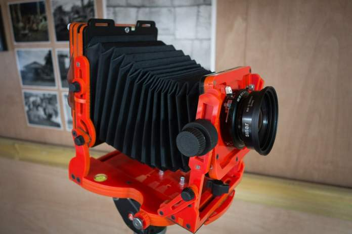 Chroma 4x5 review - Red or Dead