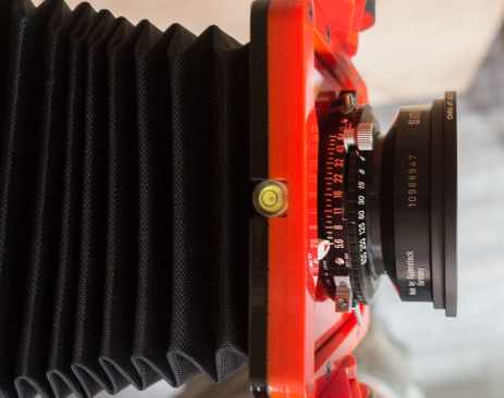 Chroma 4x5 review - Three separate spirit levels are embedded within the body - on the base, the front and rear standard