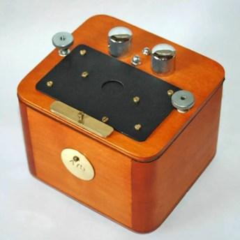 Vermeer Anamorphic pinhole camera - Model 2 (closed)