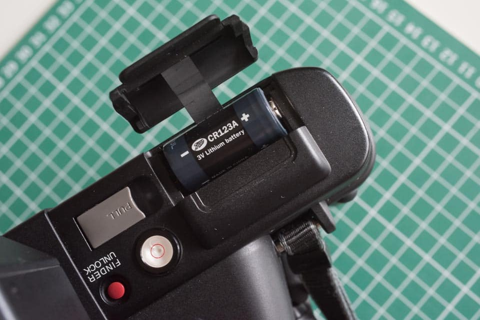 Fuji Panorama GX617 Camera Review - Battery compartment