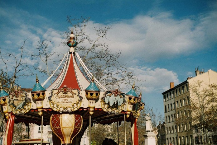 Carousel de la Croix Rousse, Lyon, France - Focasport 1D, Fujifilm Superia X-TRA 400