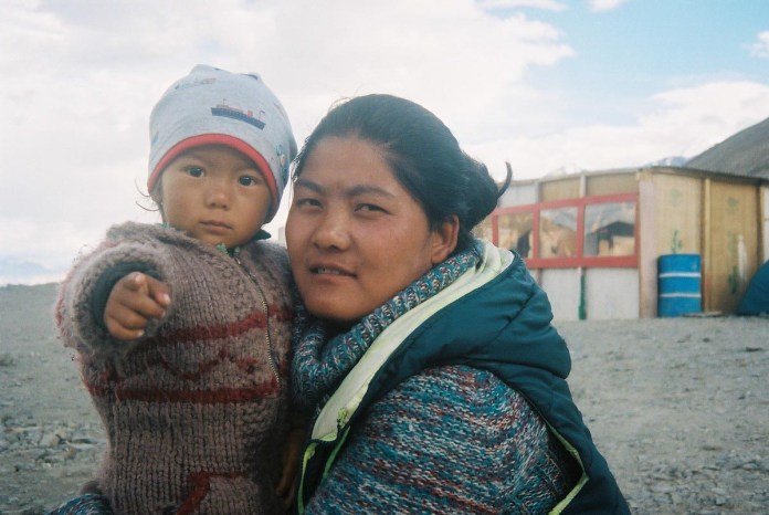 """Nothing to lose"": my Indian road trip. Kodak Portra 400, Canon Canonet 28 - by Bernard Lim"