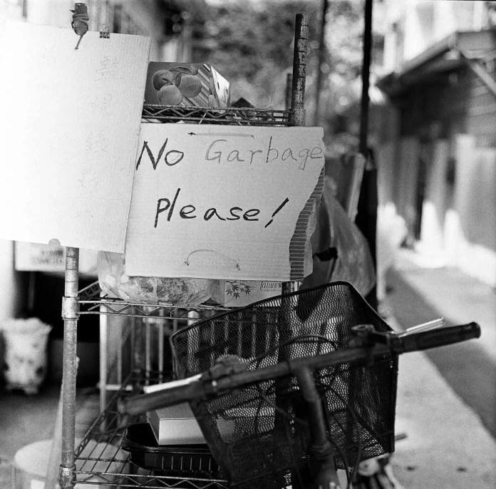 No garbage! - Shot on Kodak T-MAX 400 at EI 400. Black and white negative film in 120 format shot as 6×6.