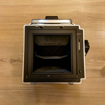 Hasselblad 2000FCW body - Rear (shutter retracted)