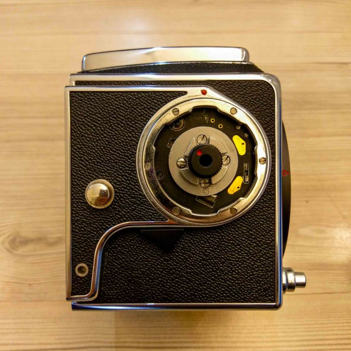 Hasselblad 2000FCW body - Right (crank removed)
