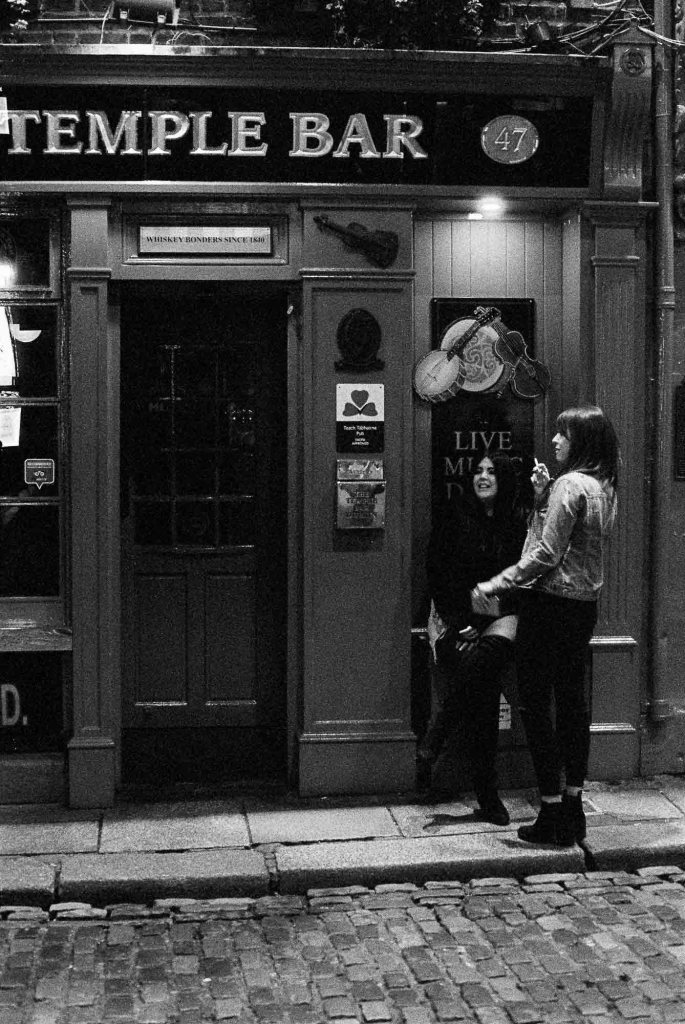 Temple Bar Gals - 5 Frames With... ILFORD Delta 3200 Professional (EI 6400 _ 35mm _ Minolta SRT100x) - by Maxime Evangelista