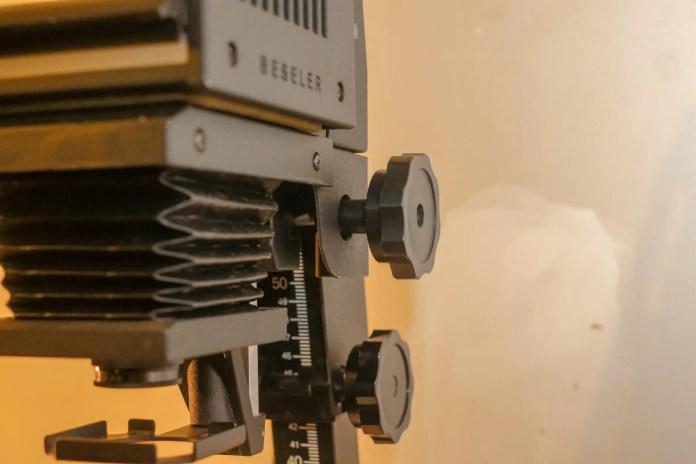 Budget darkroom - Focus knob