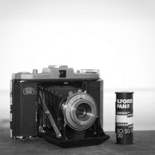 Zeiss Ikon Nettar 517/16 and expired ILFORD PAN F
