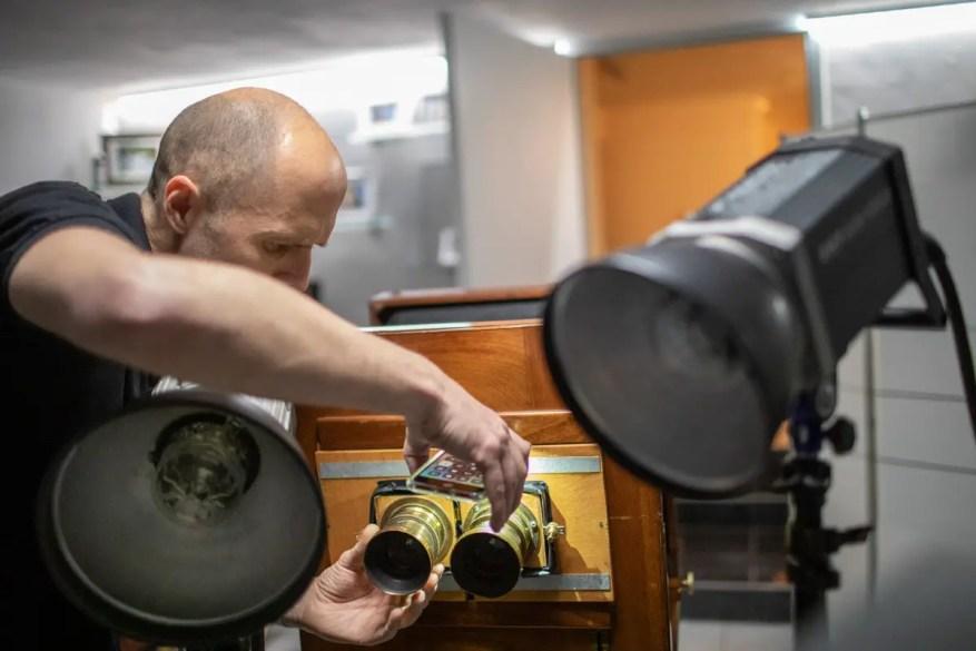 Setting the lenses