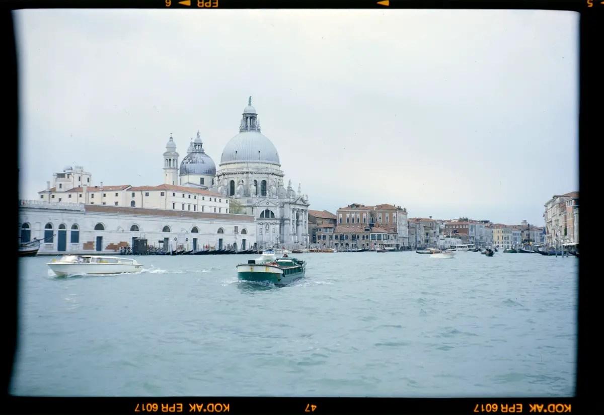 5 Frames With... Venice/Italy on Kodak EKTACHROME T64 (120 / EI 50 / Zeiss Ikon 518/2 Nettar) - by Raymond van Mil