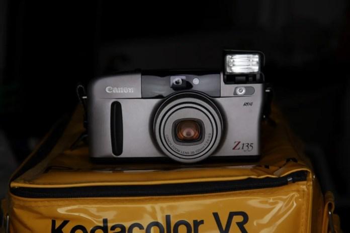 Canon SURE SHOT Z135 - Front