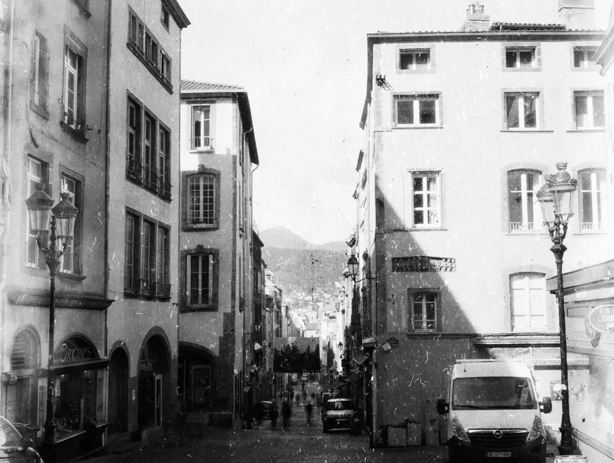 Rue des Gras, Clermont Ferrand - PRIMOR B2 Panchromatisch, EI 6, as metered +4 stops - F/22, 4s